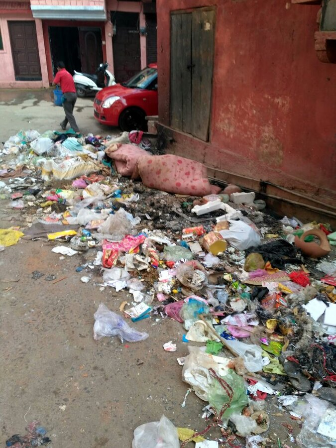 Nagar Nigam Gwalior — unmanaged waste disposal in residential area