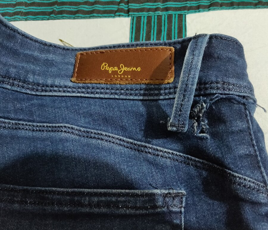Pepe Jeans India Jeans Got Torn From Back Side While Sitting In Office