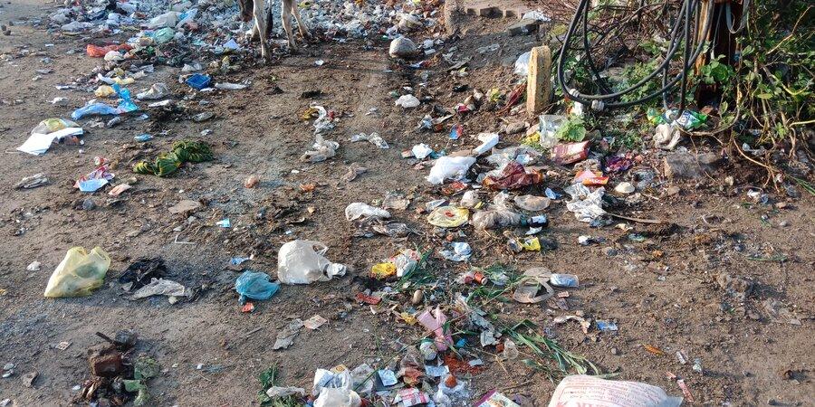 Nagar Nigam Gwalior — waste garbage and cow dung